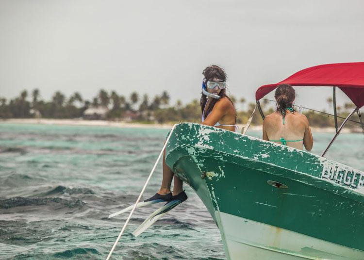 Belize-Guide-snorkel-prep-1-1024×732